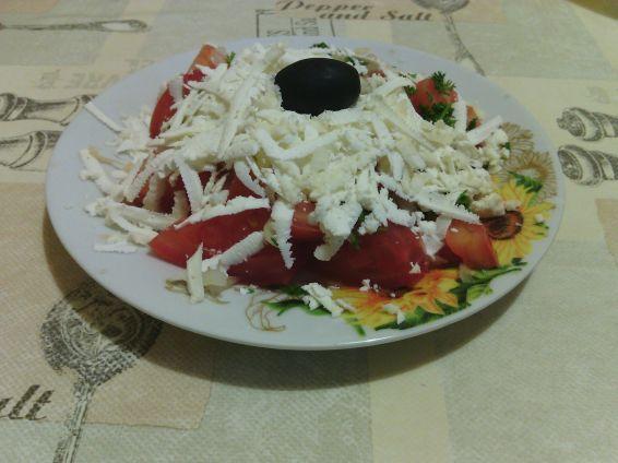 Снимка 3 от рецепта за Българска шопска салата