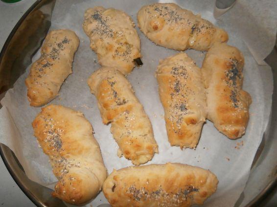 Снимка 3 от рецепта за Бързи кренвиршки с готово тесто