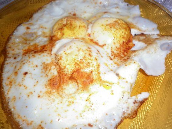 Снимка 6 от рецепта за Яйца на очи