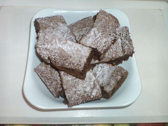 Снимка 4 от рецепта за Какаов сладкиш `Фантазия`