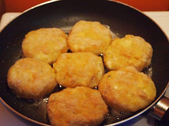 Снимка 2 от рецепта за Картофени кюфтета