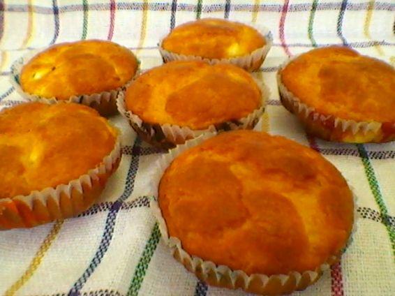 Снимка 6 от рецепта за Кейкчета със сирене и млечен крем