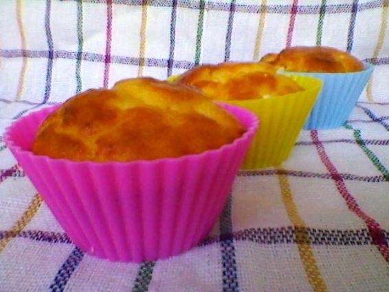 Снимка 8 от рецепта за Кейкчета със сирене и млечен крем
