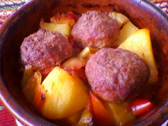 Снимка 4 от рецепта за Кюфтенца в гювеченца