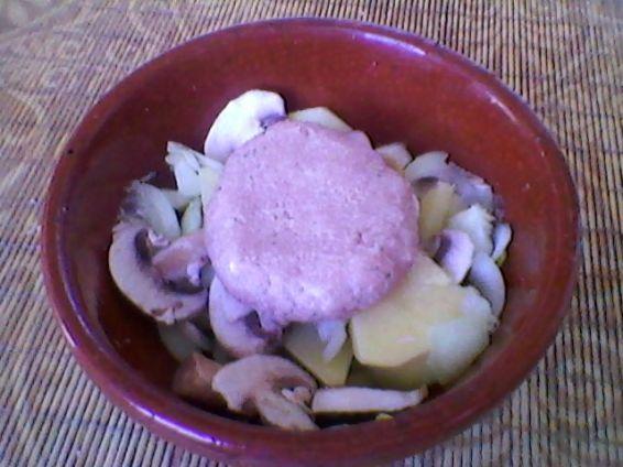 Снимка 6 от рецепта за Кюфтенца в гювеченца