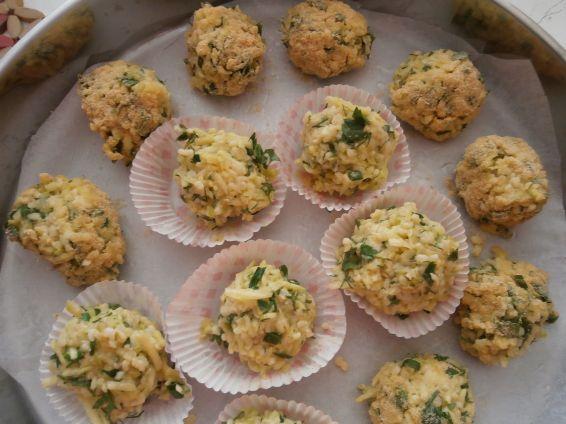 Снимка 4 от рецепта за Кюфтета от тиквички и булгур