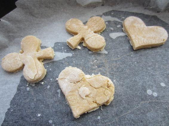 Снимка 7 от рецепта за Коледни сладки с джинджифил и канела