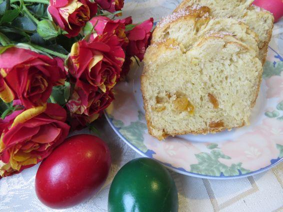 Снимка 4 от рецепта за Козунак за Великден със стафиди и портокалови корички