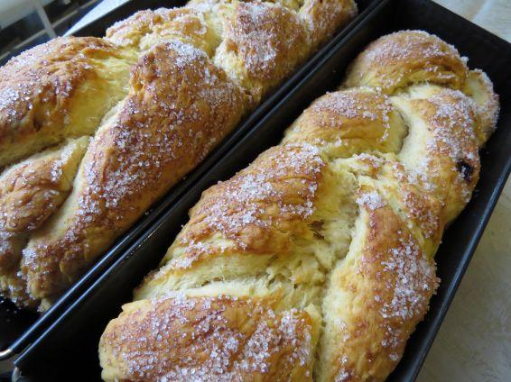 Снимка 1 от рецепта за Козунак за Великден със стафиди и портокалови корички