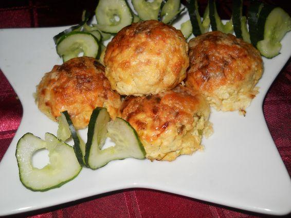 Снимка 12 от рецепта за Кълбенца от картофи, тиквички и извара