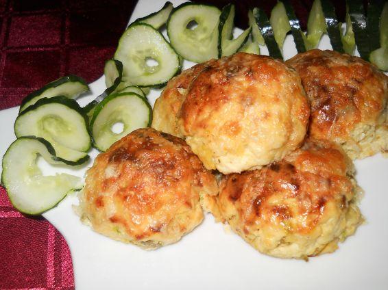 Снимка 2 от рецепта за Кълбенца от картофи, тиквички и извара