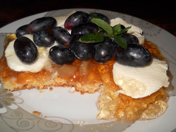 Снимка 4 от рецепта за Маслена бисквита с желе от круши, моцарела и грозде