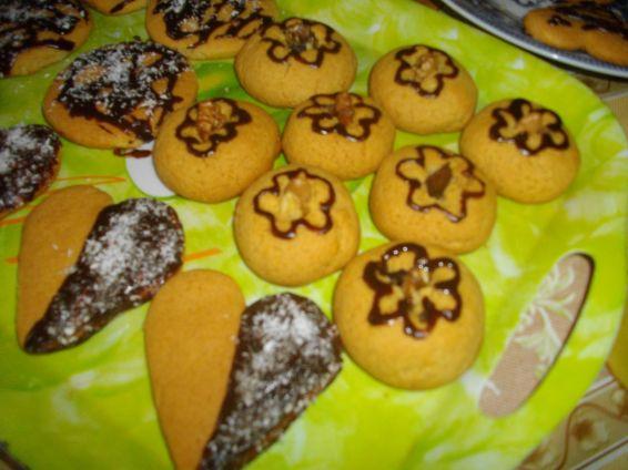Снимка 4 от рецепта за Медени курабийки