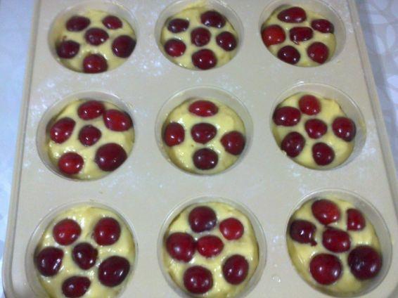 Снимка 3 от рецепта за Мъфини с череши