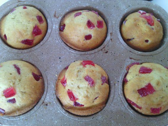 Снимка 2 от рецепта за Мъфини с локум от нар, орехи и тръстикова захар