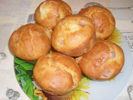 Снимка 2 от рецепта за Мъфини със слънчогледови семки, кашкавал и шунка