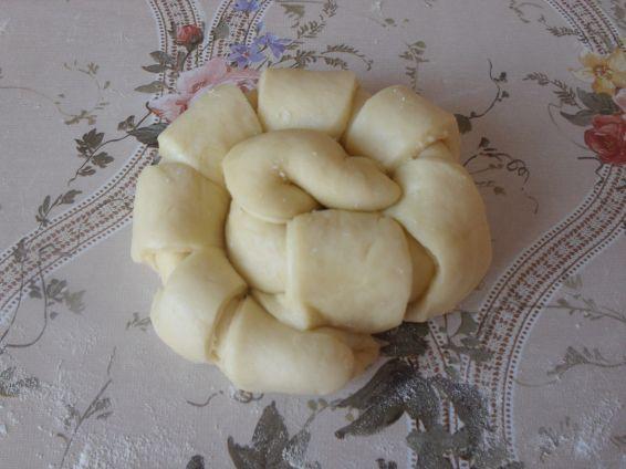 Снимка 2 от рецепта за Охлювчета с лионски салам