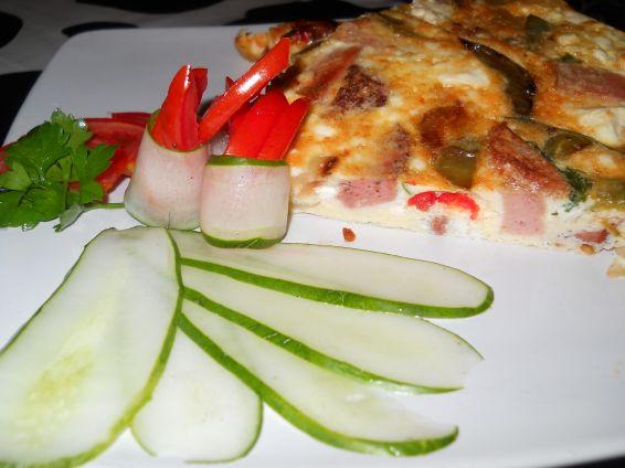 Снимка 3 от рецепта за Омлет със зеленчуци и колбас на фурна