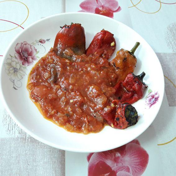 Снимка 2 от рецепта за Панирани чушки с доматен сос - II вариант