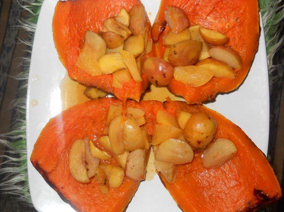 Снимка 5 от рецепта за Печена тиква с ябълки и канелени пръчици
