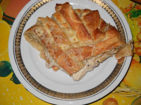 Снимка 8 от рецепта за Пита `Фантазия` от бутер тесто с плънка