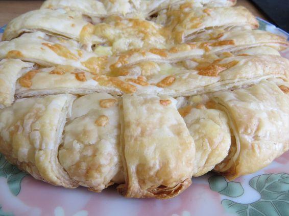 Снимка 9 от рецепта за Пита `Фантазия` от бутер тесто с плънка