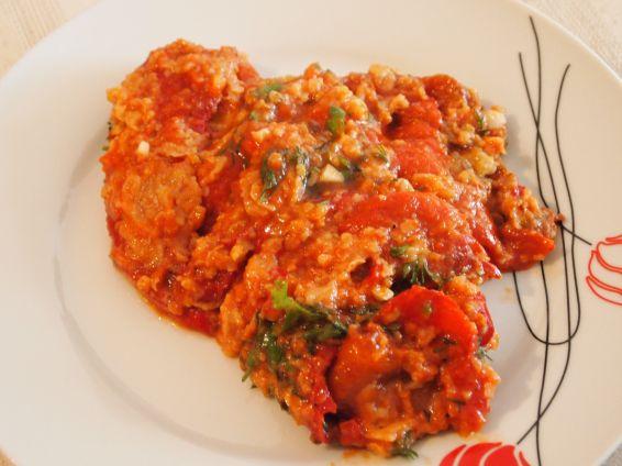 Снимка 2 от рецепта за Пролетни чушки с доматен сос