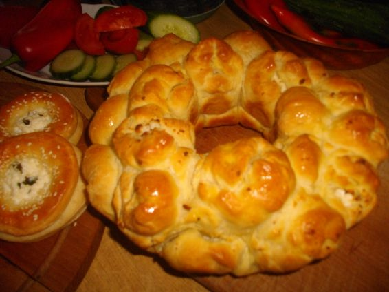 Снимка 8 от рецепта за Пълнени питки