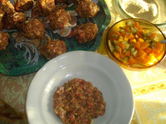 Снимка 2 от рецепта за Пълни кюфтета на фурна