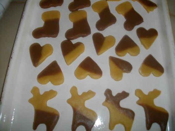 Снимка 4 от рецепта за Шарени коледни меденки