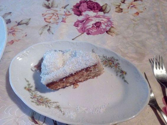 Снимка 3 от рецепта за Сиропиран сладкиш `Рафаело`