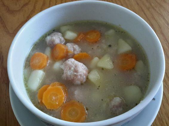Снимка 2 от рецепта за Супа топчета без застройка