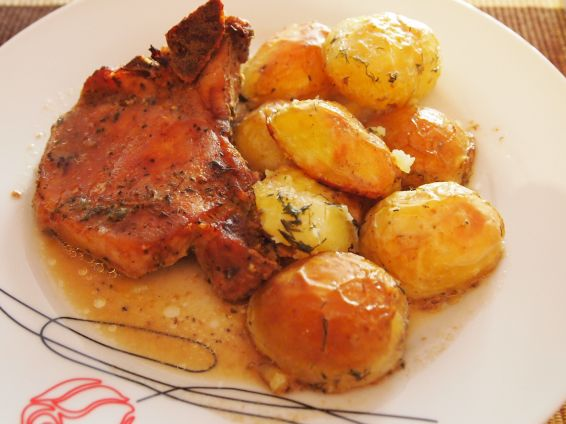 Снимка 2 от рецепта за Свински котлети с картофи