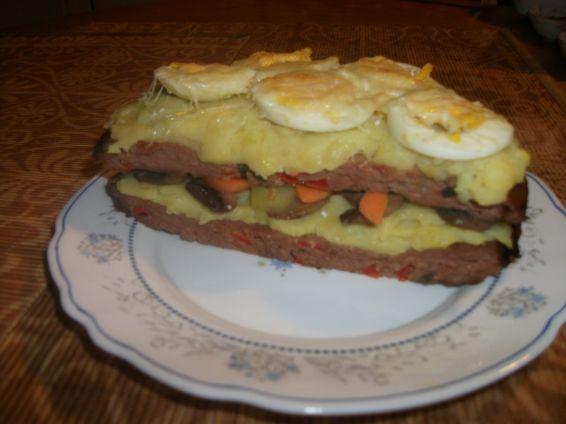 Снимка 3 от рецепта за Тортичка с блатове от кайма