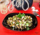 Рецепта за Салата с лимец, пилешко филе, гъбки и авокадо