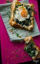Рецепта за Бутер вкусотийка с магданоз, зелен лук, маслини и яйце