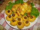 Рецепта за Облечени пилешки бутчета и маслини в тесто