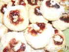 Рецепта за Маслени сладки със сладко и орехче