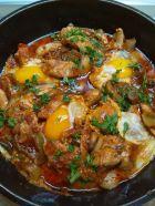 Рецепта за Свинско със зеленчуци и яйца